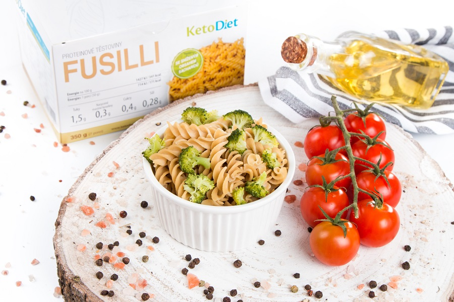 Keto dieta - proteinové těstoviny fusilli - KetoDiet.cz